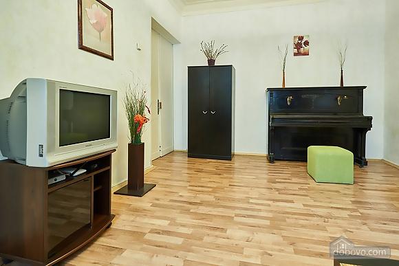Уютная квартира возле Майдана, 2х-комнатная (56824), 011
