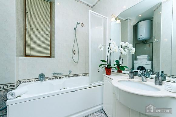 Apartment with Jacuzzi on Khreschatyk, Dreizimmerwohnung (20740), 008