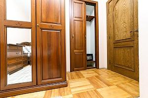 Апартаменти на Хрещатику з джакузі, 3-кімнатна, 003