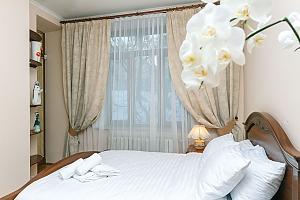 Апартаменти на Хрещатику з джакузі, 3-кімнатна, 002