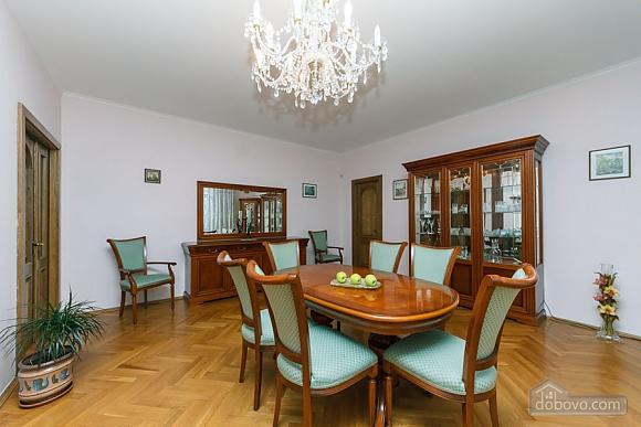 Apartment with Jacuzzi on Khreschatyk, Dreizimmerwohnung (20740), 011