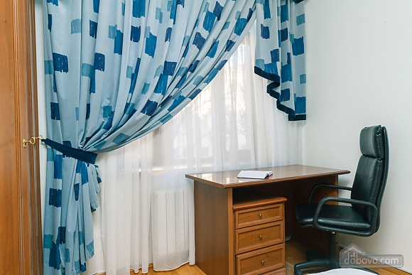 Apartment with Jacuzzi on Khreschatyk, Dreizimmerwohnung (20740), 012