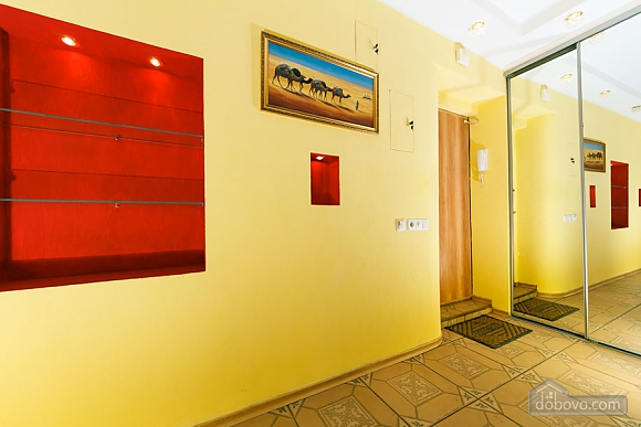 Apartment near the railway station in oriental style, Una Camera (95674), 006
