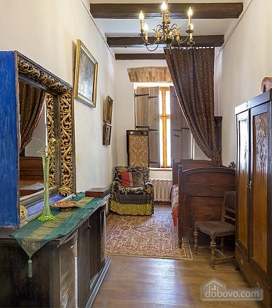 Atmospheric apartment in the heart of Lviv, Studio (40679), 002
