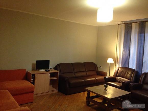 Apartment near Kharkivska metro station, Two Bedroom (65545), 001