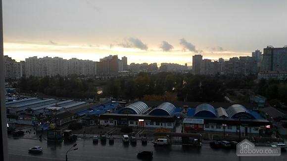 Apartment near Kharkivska metro station, Two Bedroom (65545), 007