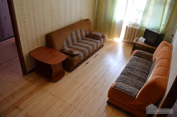 Квартира в центрі міста біля Малого ринку, 2-кімнатна (17762), 001