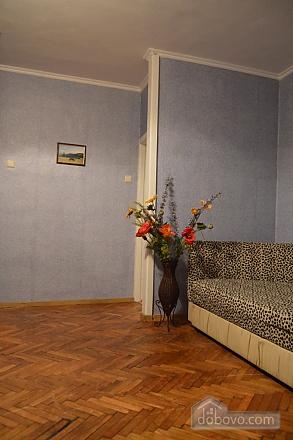 Чудова затишна квартира в 10 хвилинах від центру, 2-кімнатна (27079), 006