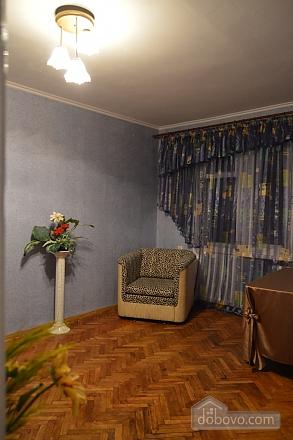 Чудова затишна квартира в 10 хвилинах від центру, 2-кімнатна (27079), 003
