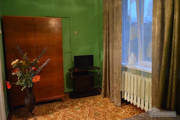 Чудова затишна квартира в 10 хвилинах від центру, 2-кімнатна (27079), 007