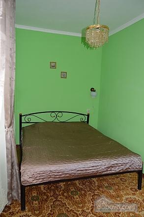 Чудова затишна квартира в 10 хвилинах від центру, 2-кімнатна (27079), 005
