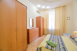 Two bedroom apartment on Mala Zhytomyrska (131), Dreizimmerwohnung, 002