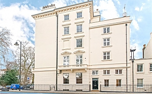 Grosvenor Road flat in London, Trois chambres, 004