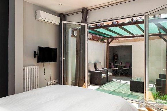 Awesome city center apartment with terrace in Barcelona, Five Bedroom (87204), 002