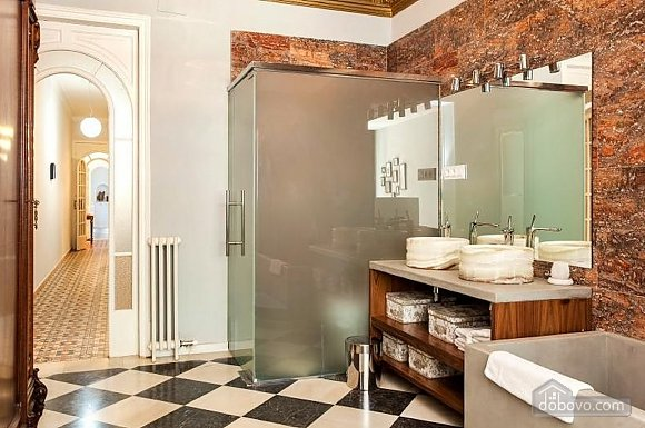 Awesome city center apartment with terrace in Barcelona, Cinq chambres (87204), 008