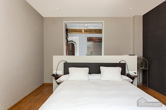 Awesome city center apartment with terrace in Barcelona, Cinq chambres (87204), 011