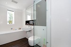 Прекрасный дом в Ровине, 5ти-комнатная, 012