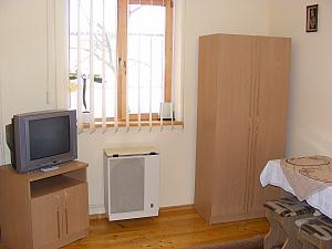 At Taras, Zweizimmerwohnung, 003