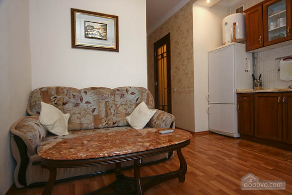 Decent apartment in the center of Kharkov, One Bedroom (13042), 003