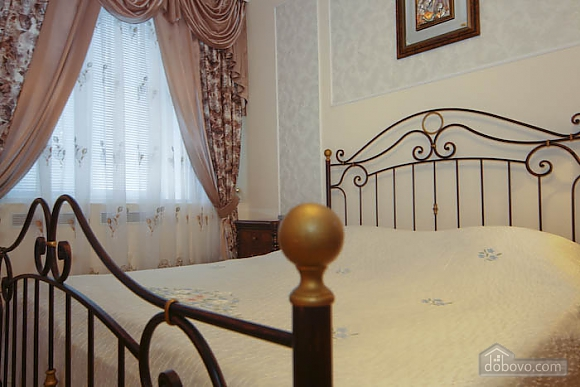Decent apartment in the center of Kharkov, One Bedroom (13042), 005