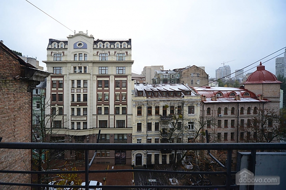 Spacious European studio with the terrace in the center of Kiev, Monolocale (58088), 011
