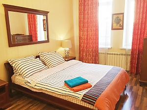 Center Khreschatyk Apartment with separate bedrooms, Una Camera, 004