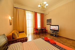 Center Khreschatyk Apartment with separate bedrooms, Una Camera, 020