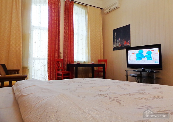 Center Khreschatyk Apartment with separate bedrooms, Un chambre (90849), 013