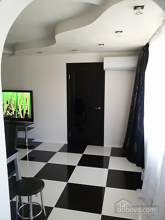Yuliya apartment with author new renovation in black and white colors, Deux chambres (84997), 008