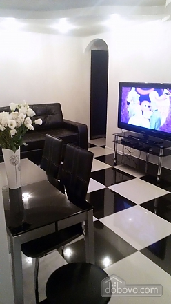 Yuliya apartment with author new renovation in black and white colors, Due Camere (84997), 036