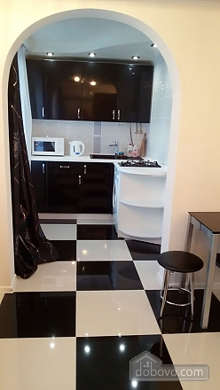 Yuliya apartment with author new renovation in black and white colors, Deux chambres (84997), 041