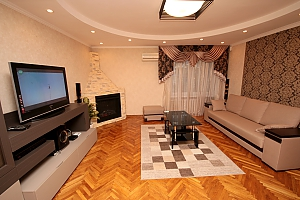 Apartment with a fireplace, One Bedroom, 003