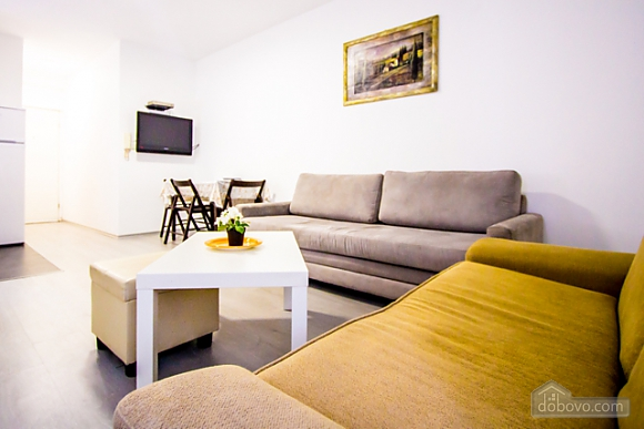 Spacious apartment on the sea shore, One Bedroom (37100), 005