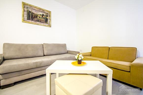 Просторная квартира на берегу моря, 2х-комнатная (37100), 006