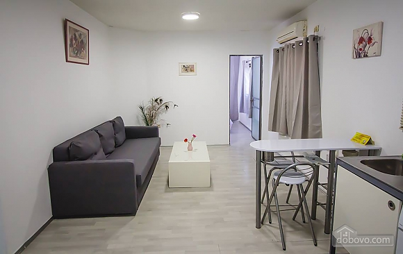 Light apartment near the beach, One Bedroom (84318), 007