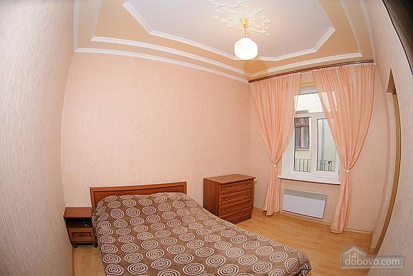Квартира біля площі Ринок, 1-кімнатна (73296), 001