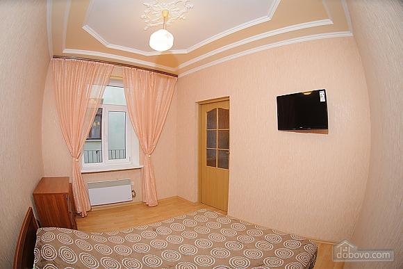 Квартира біля площі Ринок, 1-кімнатна (73296), 002