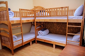 A bed in 6-bedded male room in Golden Globus hostel, Studio, 001