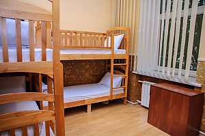 A bed in 6-bedded male room in Golden Globus hostel, Studio, 003