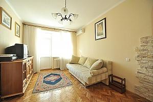 Комфортні апартаменти в центрі, 2-кімнатна, 002