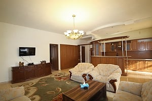 Large and beautiful apartment in the center, Two Bedroom, 010
