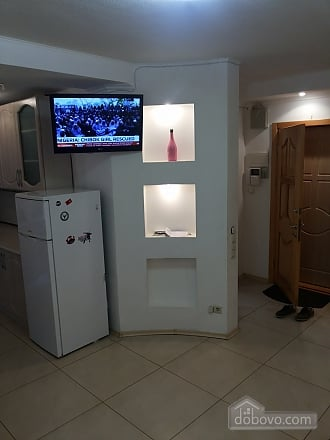 Cozy apartment near Politekhnichnyi Instytut metro station, Two Bedroom (52305), 004