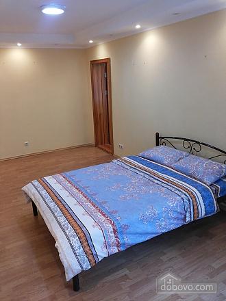 Затишна квартира біля метро Політехнічний інститут, 3-кімнатна (52305), 007