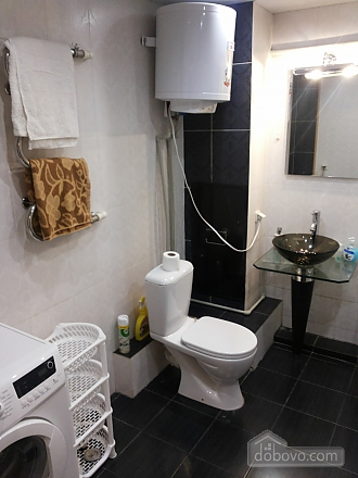 Затишна квартира біля метро Політехнічний інститут, 3-кімнатна (52305), 011
