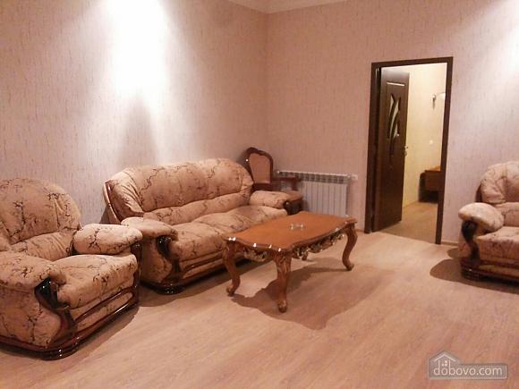 House with good renovation, Dreizimmerwohnung (87481), 002