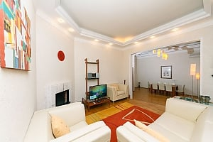 VIP apartment on Maidan in the historical part of the city, Trois chambres, 002