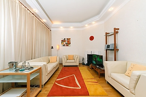VIP apartment on Maidan in the historical part of the city, Three Bedroom, 001
