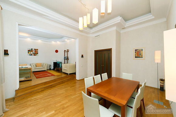 VIP apartment on Maidan in the historical part of the city, Three Bedroom (63225), 019