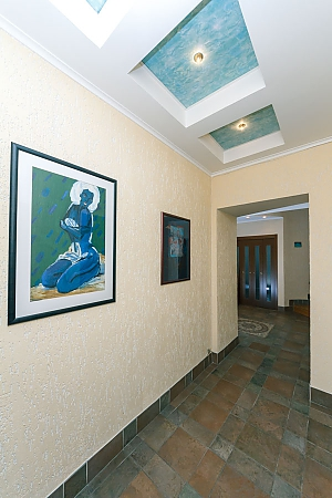 VIP apartment on Maidan in the historical part of the city, Vierzimmerwohnung, 032