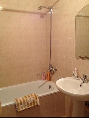 Квартира на Намиві, 1-кімнатна, 003